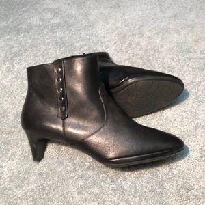 Comfortiva Womens Tacoma Bootie - Black - 10M